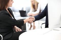 Zbliżenie biznesu uścisku dłoni kobiet partner biznesowy Biznesowy pojęcie Obrazy Royalty Free