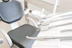 Zbliżenie dentysty nowożytni narzędzia, burnishers Zdjęcia Royalty Free