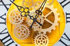 Zbliżenie duża czarodziejka jak zegar z zegarka mechanizmem Obrazy Stock