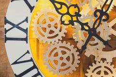 Zbliżenie duża czarodziejka jak zegar z zegarka mechanizmem Fotografia Stock
