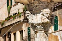 Zbliżenie fontanna madonna Verona, Włochy - obrazy royalty free