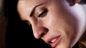Zbliżenie kobieta płacz zbiory wideo