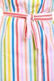 Zbliżenie kolorowy pasiasty kuchenny fartuch jako tło obrazy stock