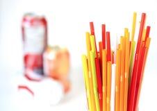 Zbliżenie Kolorowy pije słomy tło, tubki dla cockta Fotografia Stock