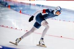 Zbliżenie męska łyżwiarka ścigać się sprint Obraz Royalty Free