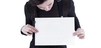 zbliżenie młoda biznesowa kobieta patrzeje pustego prześcieradło Obraz Royalty Free