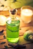 Zbliżenie masażu oleju elementu aromatyczny wellness zdjęcie stock