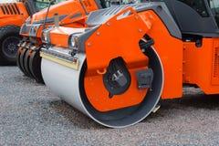 Zbliżenie nowi asfaltowi rolowniki z rzędu Fotografia Royalty Free