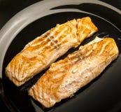 Zbliżenie Piec na grillu łosoś Polędwicowy Zdjęcia Royalty Free