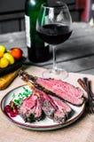 Zbliżenie piec na grillu jagnięcy kotleciki Zdjęcie Stock
