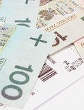 Zbliżenie pieniądze z kwitem na białym tle Zdjęcie Stock