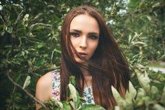 Zbliżenie plenerowy portret piękna kobieta Zdjęcie Stock