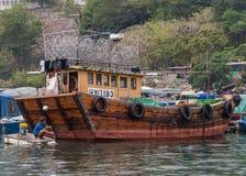 Zbliżenie połowu sampan w schronieniu Hong Kong, Chiny obrazy royalty free