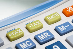 Zbliżenie podatku guzik na kalkulatorze Obrazy Stock