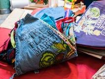 Zbliżenie pokaz szczupaka miejsca rynku fartuchy dla sprzedaży, Seattle zdjęcie stock