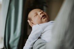 Zbliżenie pokojowy dziecko uśpiony zdjęcie royalty free