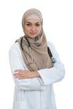Zbliżenie portret życzliwy, uśmiecha się ufną muzułmańską kobiety lekarkę obrazy royalty free