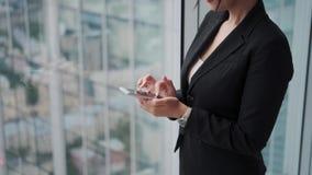 Zbliżenie portret dufna biznesowa kobieta zbiory