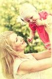 Zbliżenie portret matka z ona Zdjęcia Royalty Free