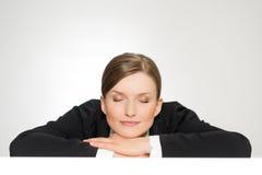 Zbliżenie portret piękna sypialna młoda kobieta Zdjęcia Royalty Free