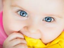 Zbliżenie portret piękny dziecko obrazy stock