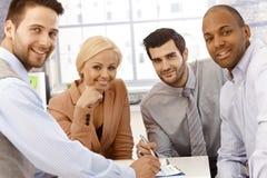 Zbliżenie portret szczęśliwy businessteam Zdjęcia Royalty Free