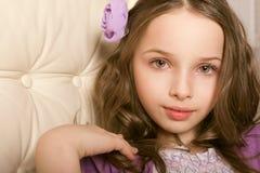 Zbliżenie portreta piękna mała dziewczynka fotografia stock