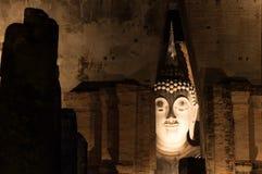 Zbliżenie Pra AdJaNa stawia czoło Buddha rzeźbę od Wata Si kmotra Obrazy Stock