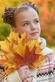 zbliżenie przygląda się małego dziewczyna portret dosyć Fotografia Stock