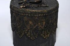 Zbliżenie rocznika stylu biżuterii round pudełko Fotografia Royalty Free