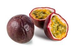 Zbliżenie rozłam pasyjne owoc i całość Obraz Royalty Free