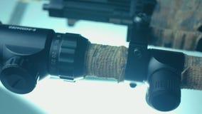 Zbliżenie snajperskiego karabinu teleskopu szklany obiektyw CSI zbiory
