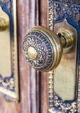 Zbliżenie stary ozdobny doorknob obrazy royalty free