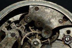 Zbliżenie stary zegarowy mechanizm, tło dla rocznika projekta Obrazy Stock