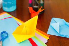 Zbliżenie strzał kolorowi papiery robić origami sztuce Obraz Stock