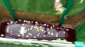 Zbliżenie strzelał kolorowa szkatuła w karawanie, kaplica lub pogrzeb przed pogrzebem przy cmentarzem zbiory