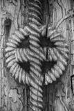 Zbliżenie szczegół antyczna Rumuńska tradycyjna sculpted brama niewiadomi rzemieślnicy 100 rok temu Czarny i biały tekstura plecy ilustracji