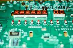 Zbliżenie układ scalony na elektronicznej desce Zdjęcia Stock