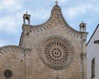 Zbliżenie widok róży okno Ostuni katedra Fotografia Stock