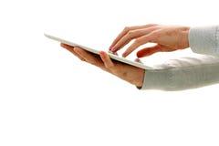 Zbliżenie wizerunek męski ręki macania pokaz pastylka komputer Obrazy Stock