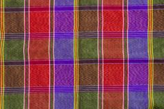 Zbliżenie wzór i tekstura loincloth szkocka krata Sprawdzamy tkaninę tajlandzką obrazy royalty free