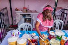 Zbliżenia streetsnack tradycyjny Kolumbijski oblea Obrazy Stock