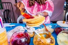 Zbliżenia streetsnack tradycyjny Kolumbijski oblea Zdjęcie Royalty Free