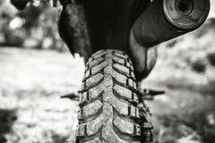 Zbliżenie fotografia offroad motorowy rower plenerowy Zdjęcie Royalty Free