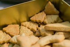 Zbliżenie fotografii Bożenarodzeniowi ciastka w choinka kształcie Tradyci pojęcie obrazy royalty free