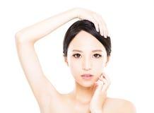 Zbliżenie młodej kobiety twarz z czystą skórą Obrazy Stock