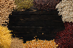 Zboże produktu pusta przestrzeń na drewnianego tła odgórnym widoku Obrazy Royalty Free