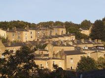 Zbocze tarasujący domy w zachodzie - Yorkshire Obrazy Stock