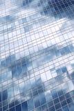 zbudować chmury biura odbicia obraz stock