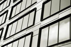 zbudować nowoczesnego urzędu budynek architektury szczegółowo nowoczesnego czarny white Zdjęcie Royalty Free